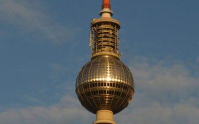 Berliner Fernsehturm – Das Kreuz mit dem Kreuz