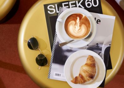 Classik-Hotel-Collection-Hackescher-Markt-Lobby-Detail-Coffee-Magazines