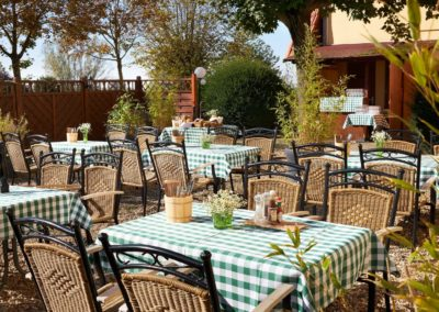 Classik-Hotel-Collection-Magdeburg-Beer-Garden-Outside-Web