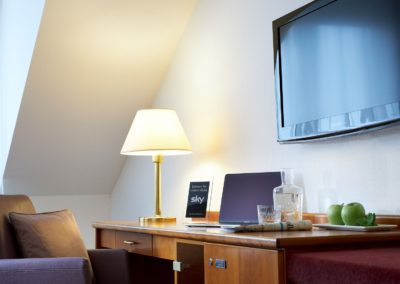 Classik-Hotel-Collection-Magdeburg-Standard- Room-Bedroom-Desk-Work-Detail-Web