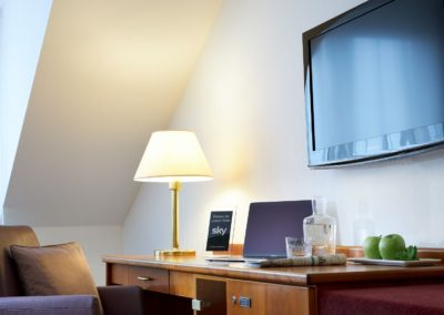 Classik-Hotel-Collection-Magdeburg-Standard- Room-Twin-Bedroom-Desk-Work-Detail-Web