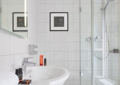 Classik-Hotel-Collection-Munich-Martinshof-Bathroom-01-Web