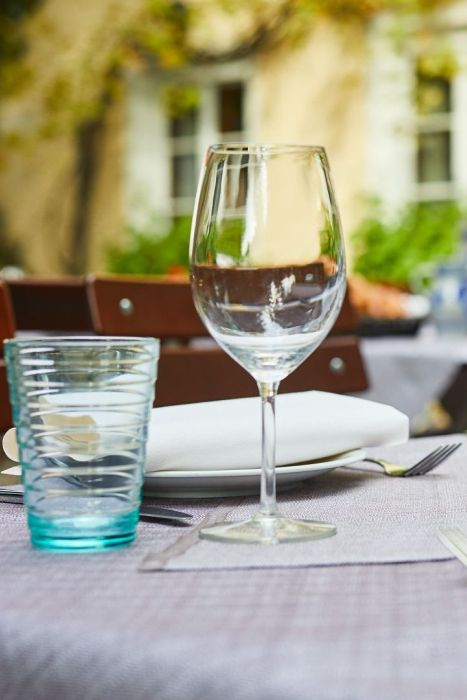 Classik-Hotel-Collection-Munich-Martinshof-Restaurant-Lunch-Day-Outside-02-Web 467x700